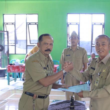 Serah Terima Jabatan Kepala Desa Se-Kecamatan Rakit Kabupaten Banjarnegara Periode 2019-2025