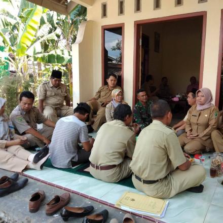 Album : Silaturahim Ke Rumah Calon Kepala Desa