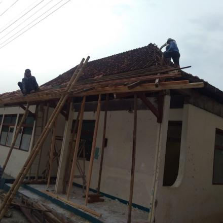Album : Renovasi Gedung Kantor Desa Rakit
